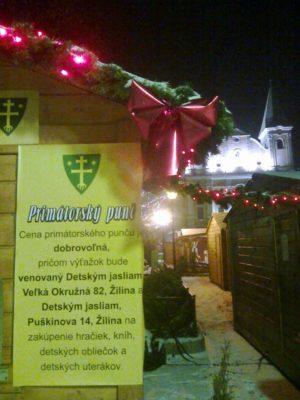 Na Mariánskom námestí v Žiline teďkom voní pouze punč. foto autor
